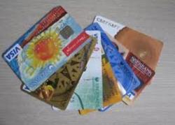 Сбербанк повышает комиссии за операции по картам