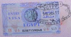 Египет снова вводит визовый сбор для россиян